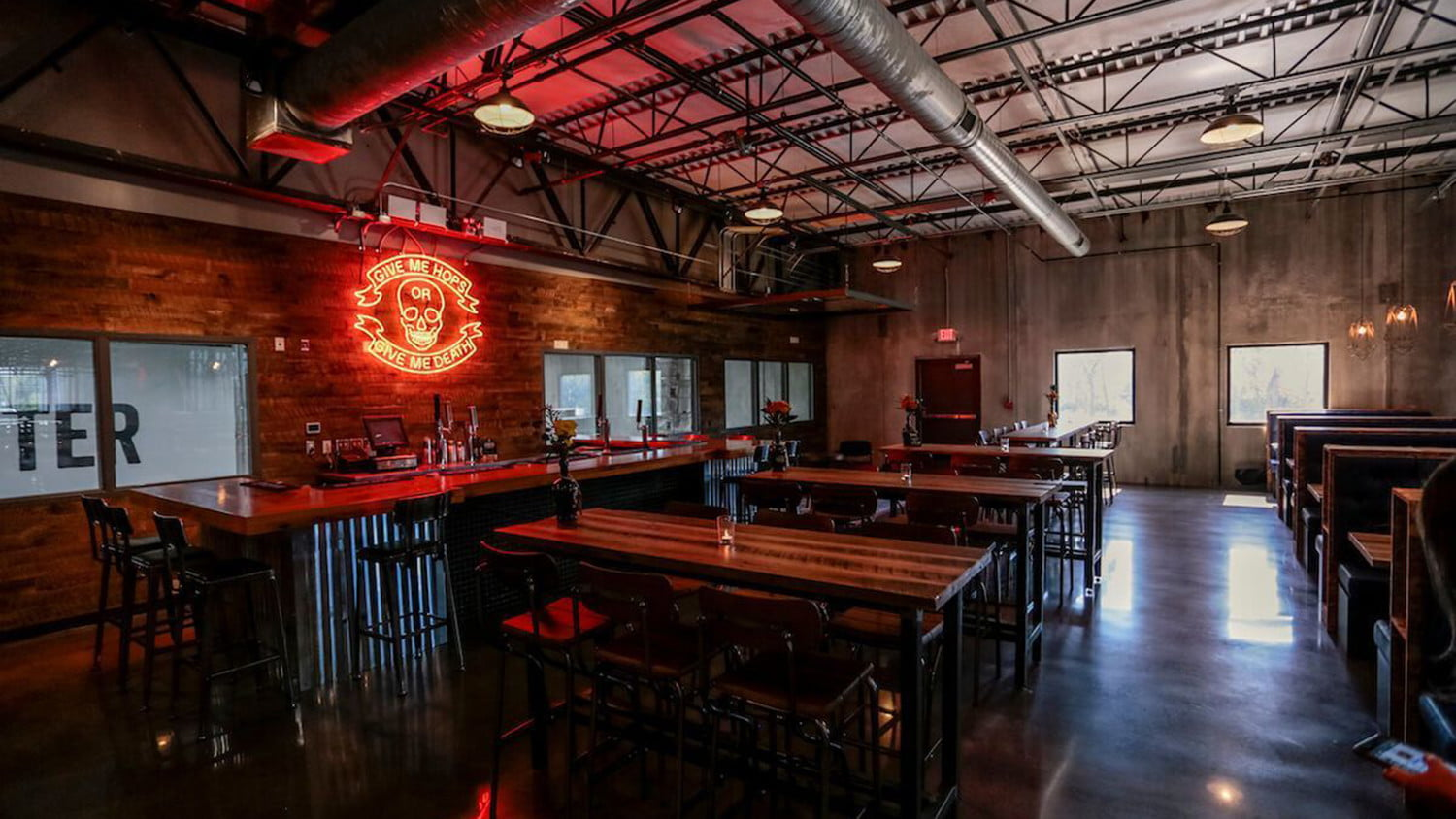 doghouse columbus brewdogs brewery hotel 5